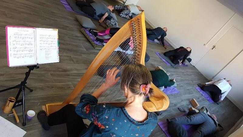 yoga met harp